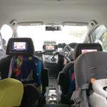 車の後部座席用にヘッドレストモニターを取り付ける①